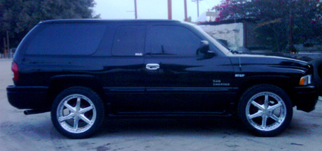 2001 Dodge Ramcharger By Abel Gonzales Oros image 2.